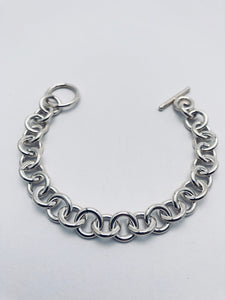 Seaxwolf chunky 13 gauge single link chain bracelet for men and women in solid 925 sterling silver from handmade links and handcrafted toggle clasp.