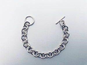Seaxwolf alternate view of single link chain bracelet for men and women in solid 925 sterling silver from handmade links and handcrafted toggle clasp.