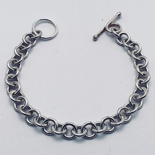 Seaxwolf thick single link chain bracelet for men and women in solid 925 sterling silver from handmade links and handcrafted toggle clasp.