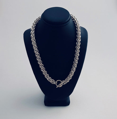 Seaxwolf thick link chain necklace for men and women in solid 925 sterling silver from handmade links and handcrafted toggle clasp.