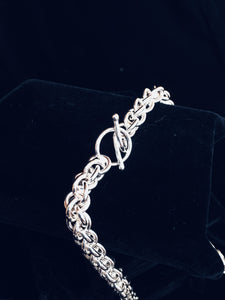 Closeup of design - Seaxwolf thick link chain necklace for men and women in solid 925 sterling silver from handmade links and handcrafted toggle clasp.