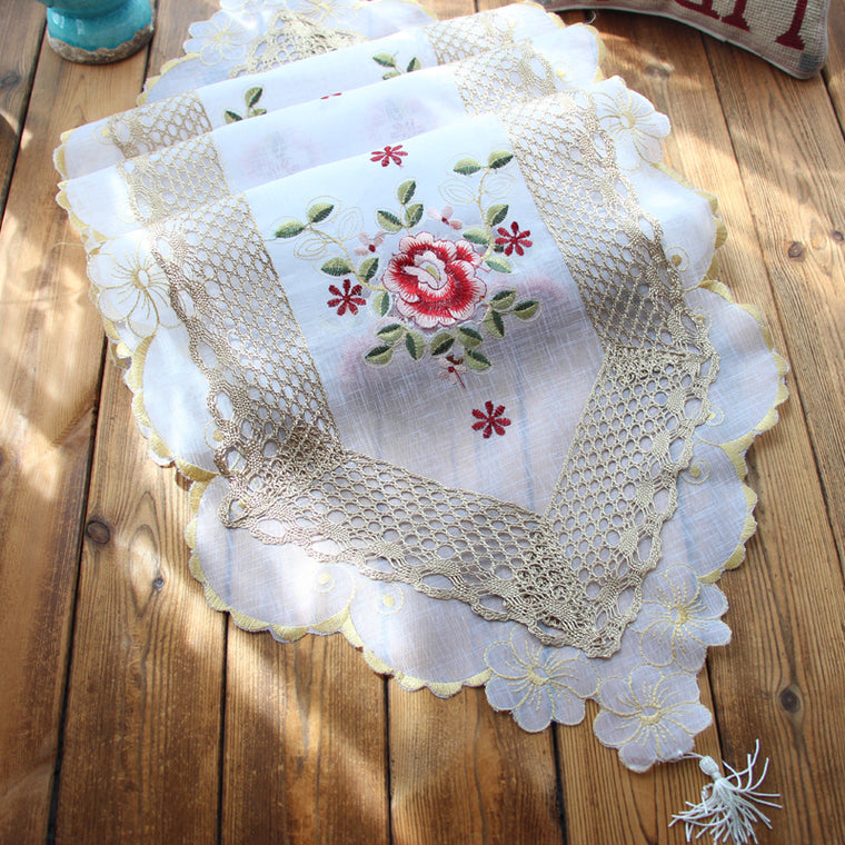 Classic Floral Table Runner