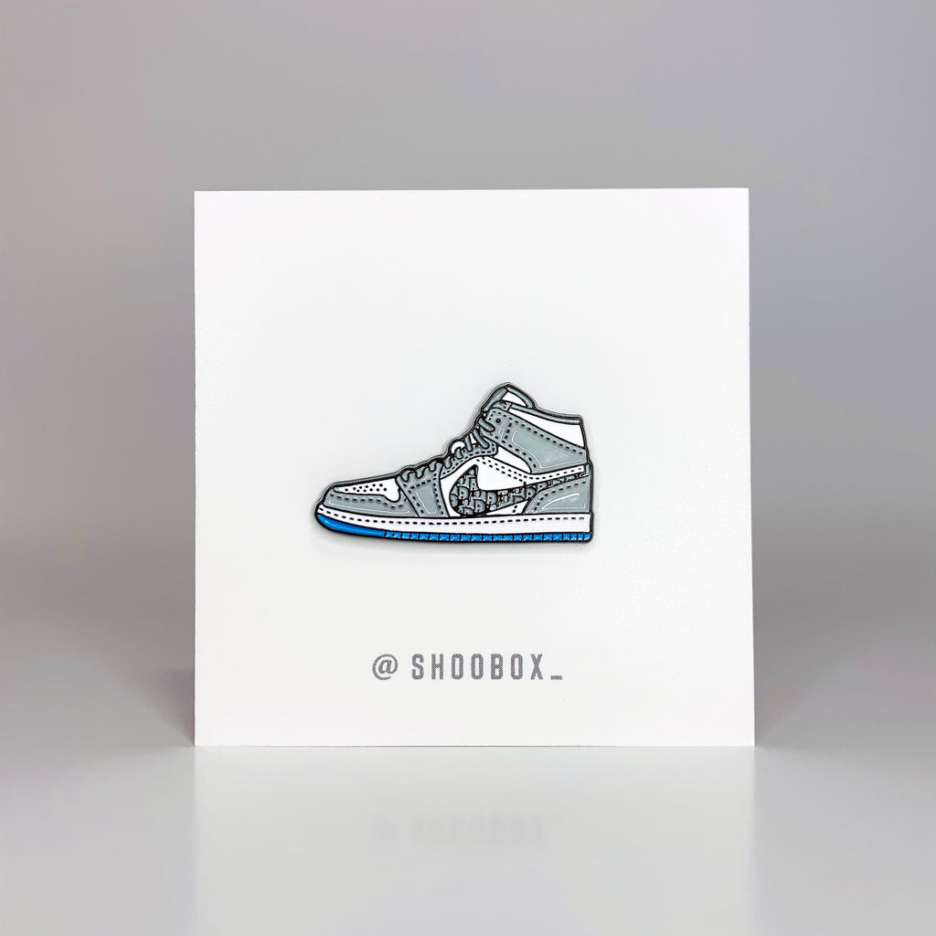 Shoobox Jordan 1 Retro High Dior Pin
