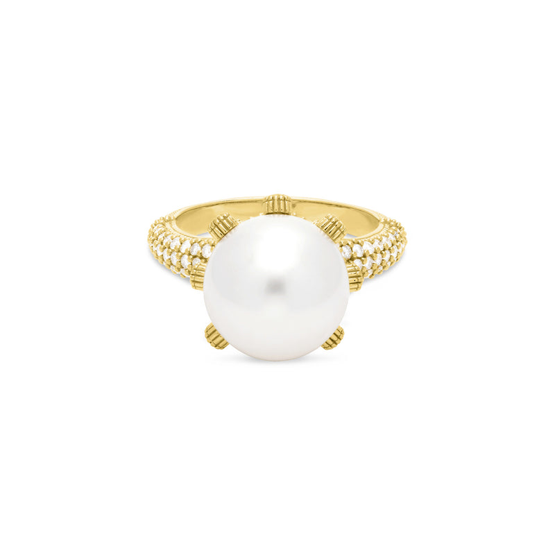 Paloma Ring with Freshwater Pearl and Diamonds in 18K