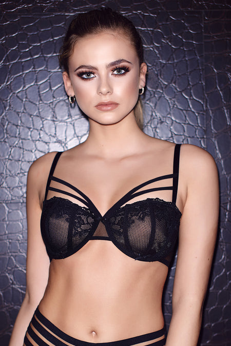 Strapped Underwired Bra - Black