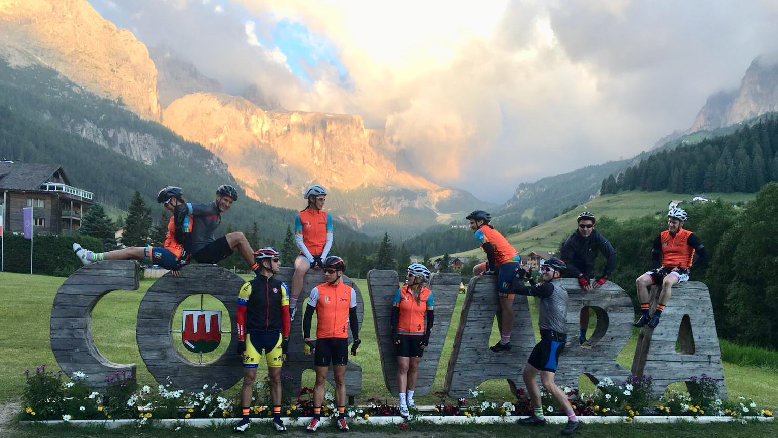 Team Nudo cc cycling socks in Corvara before the start of Maratona dles Dolomites 2018