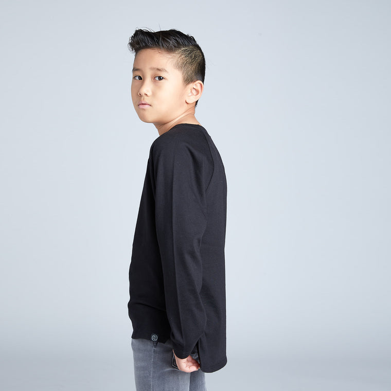 Long Sleeve Raglan Tee in Black