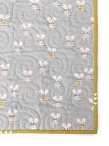 Wholecloth Quilt - Little Friends in Golden
