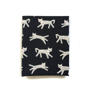 Pre-Order: Crib Sheet - Black and White - Snow Leopard in Black