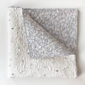 Wholecloth Quilt - Sleep Tight in White