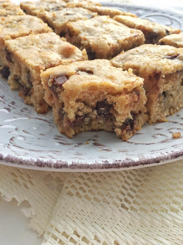 naked-foods-choc-chip-banana-blondies-nut-free-lunchbox-snack