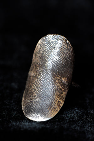 L Oval Shield Ring