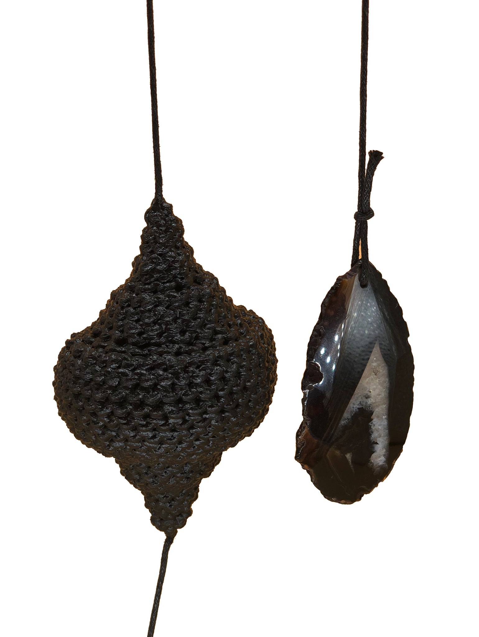Large Hanging Pods with Black Agate Stone