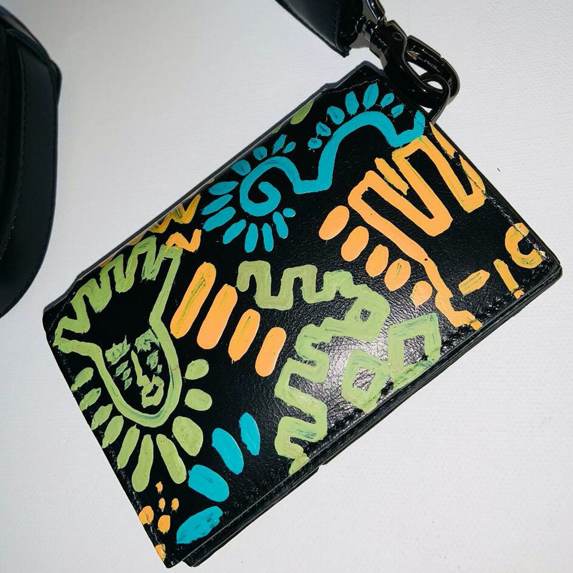 "jeantrix x saija color ""tribal"" neck wallet"