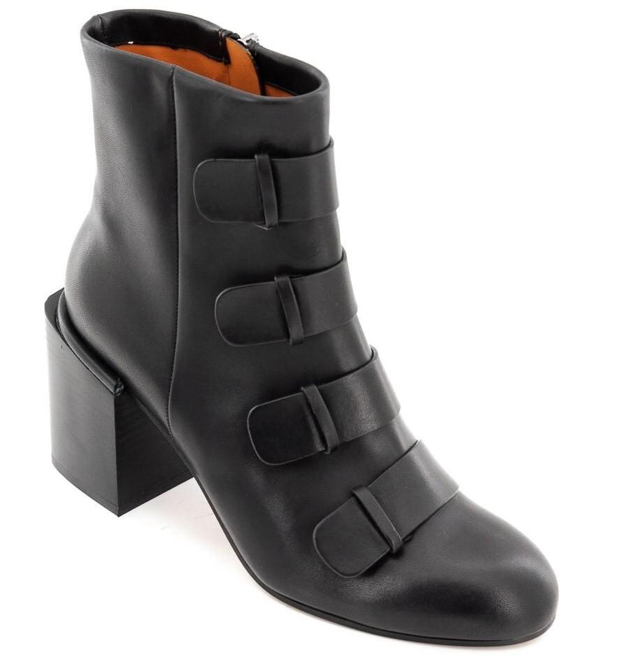Xina Ankle Boots with block heel and straps