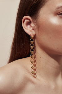 The Elongated Mini Eliza Earrings Gold