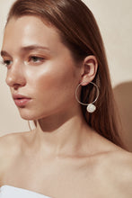 The Looped Pearl Earrings Silver
