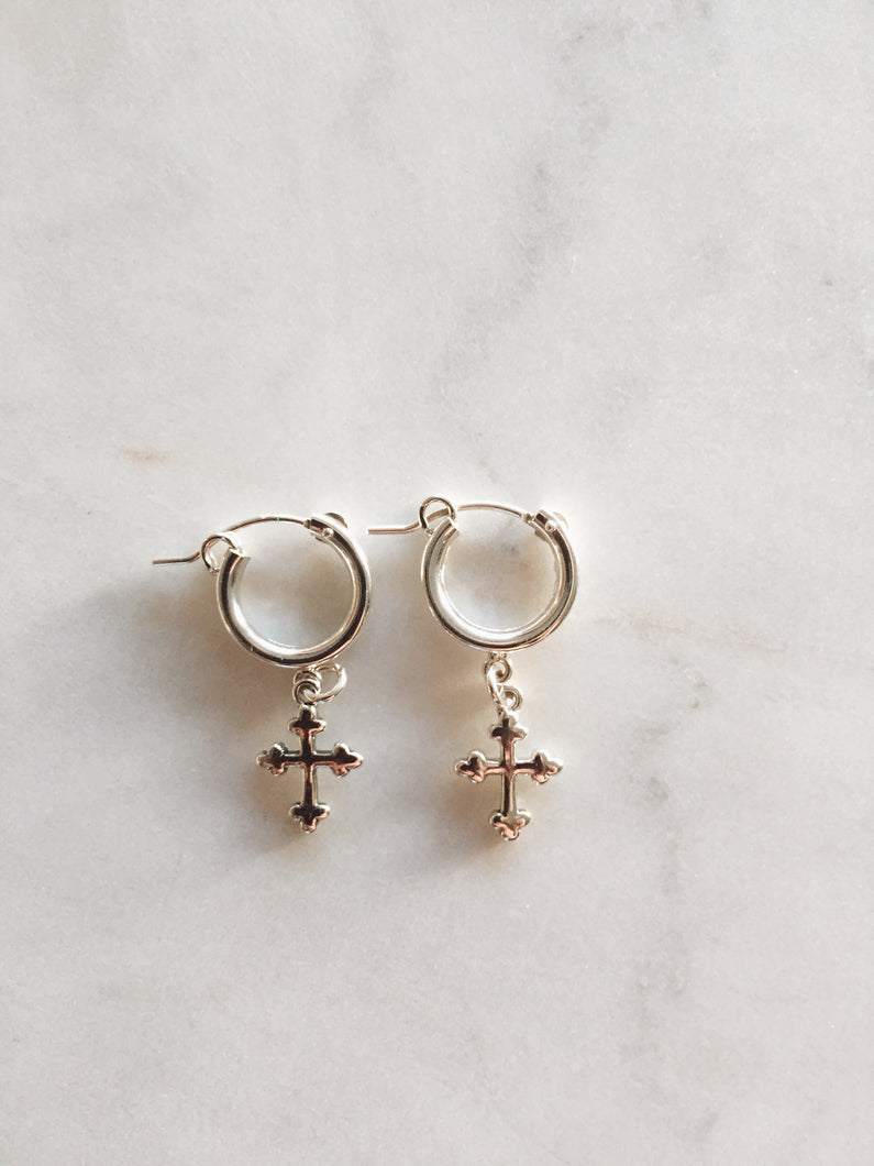 The Small Cross Hoops - Silver