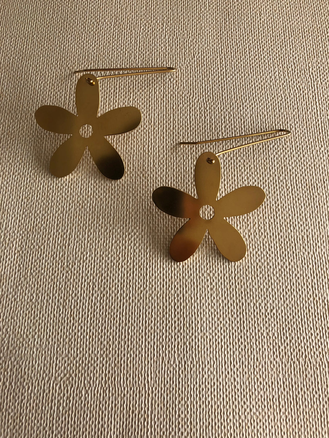 The Flower Drop Earrings Gold