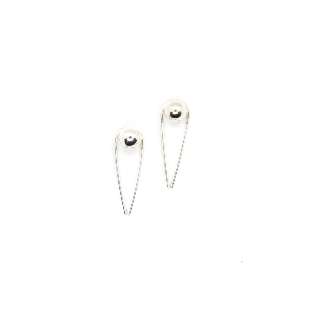 The Radiant Studs Silver