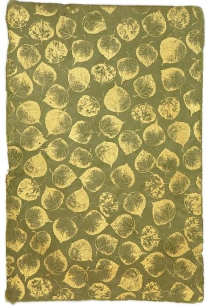 GIFTSLAND-WRAPPING PAPER-LEAVES GOLD ON OLIVE