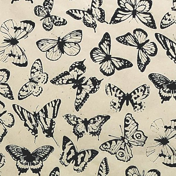 GIFTSLAND-WRAP-BUTTERFLIES BLACK ON NATURAL