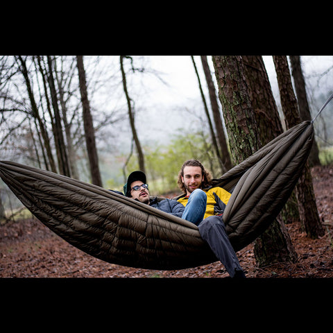 The SWAYY Eira | All-In-One Insulated Hammock - Swayy - luxebackyard