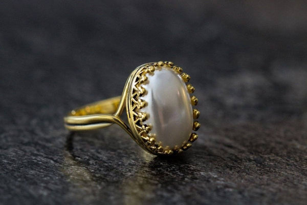 Lily White's Crown Pearl June Birthstone Ring