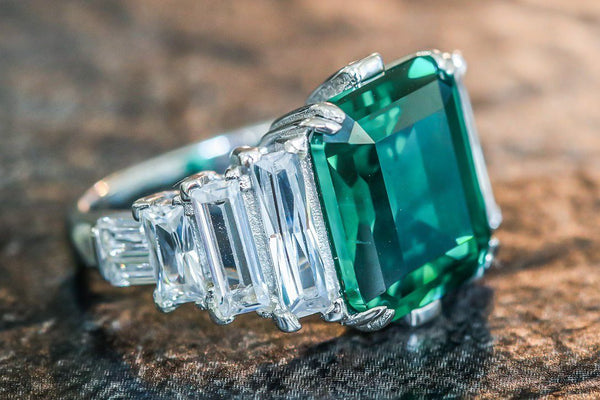 Kushan Opulence Emerald And Diamond May Birthstone Ring