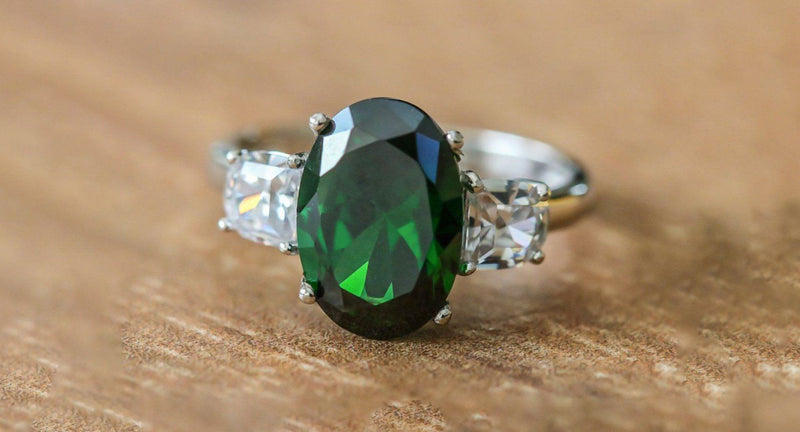 Kashmir Charm Emerald And Diamond April/May Birthstone Ring