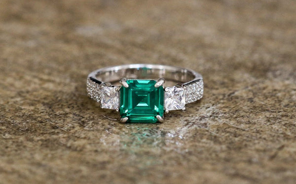 Classic Bliss Emerald And Diamond April/May Birthstone Ring