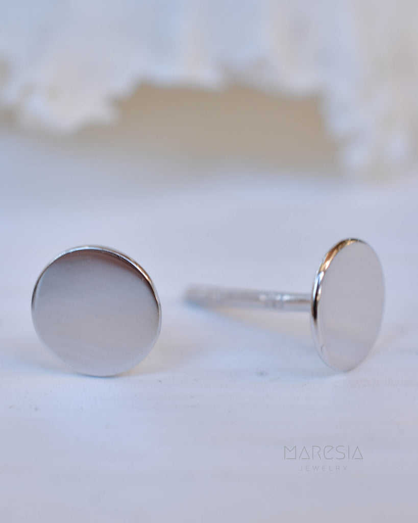 Round Stud Earrings ~ Sterling silver 925 or Gold Vermeil ~ SME079