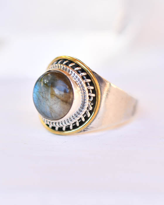 Rainbow Labradorite Ring ~Sterling Silver 925 ~MR071