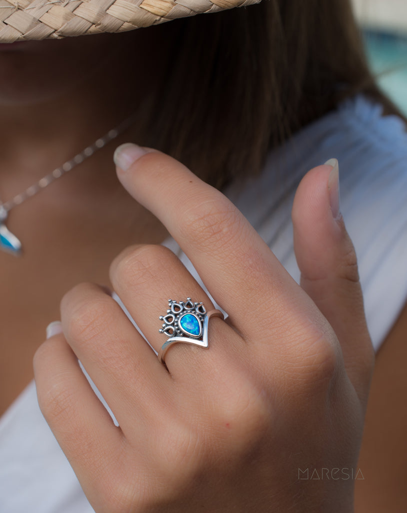 Blue Opal Ring ~Sterling Silver 925~ SMR046