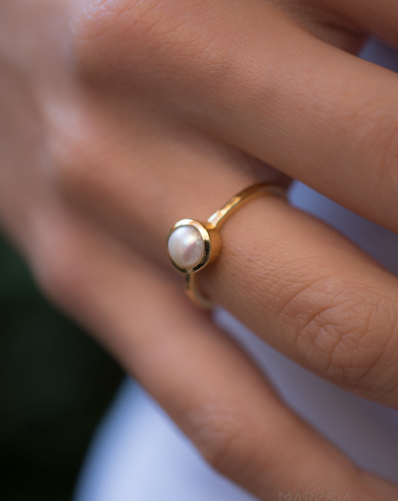 Pearl Gold Ring ~ 18k Gold Plated ~ MR210
