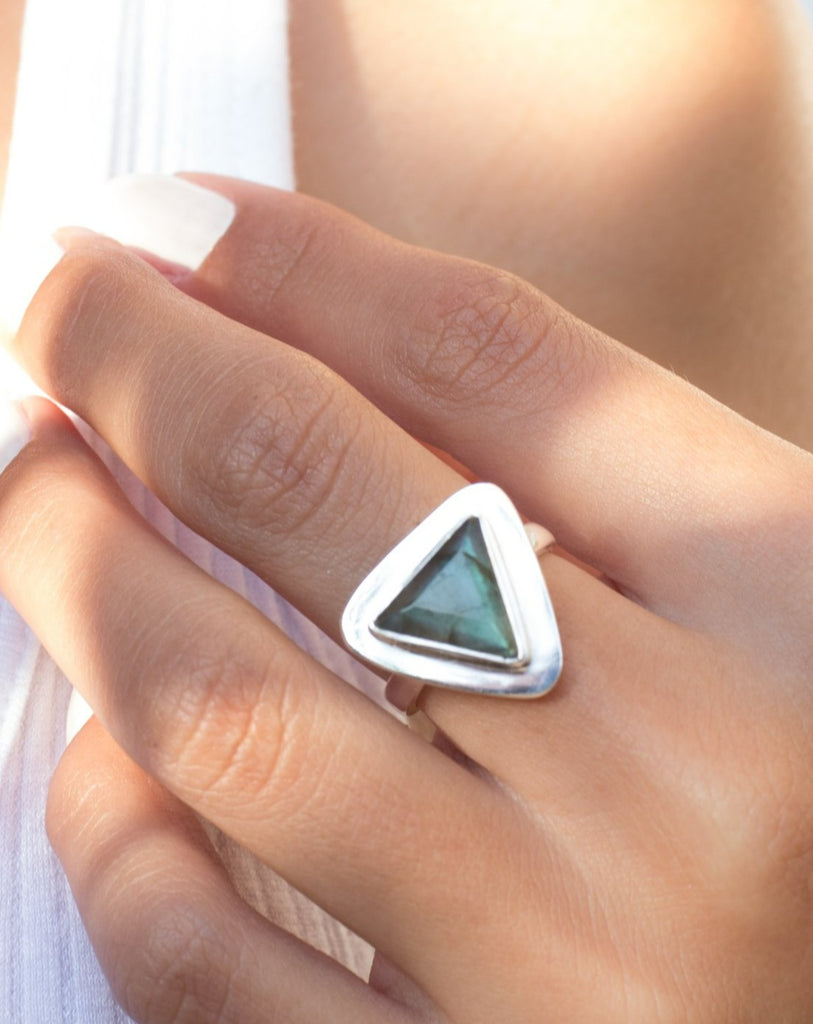 Rainbow Labradorite Triangle Ring Large ~ Sterling Silver 925 ~ MR115
