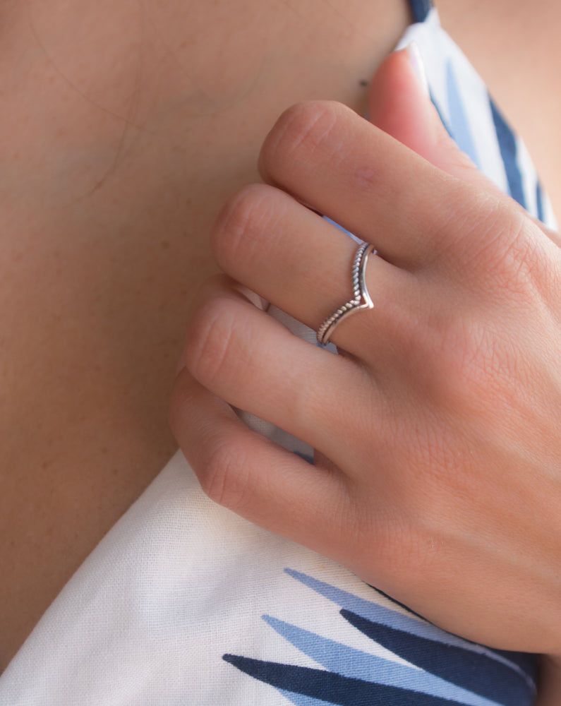 Claudia Ring~ Sterling Silver 925~ SMR025