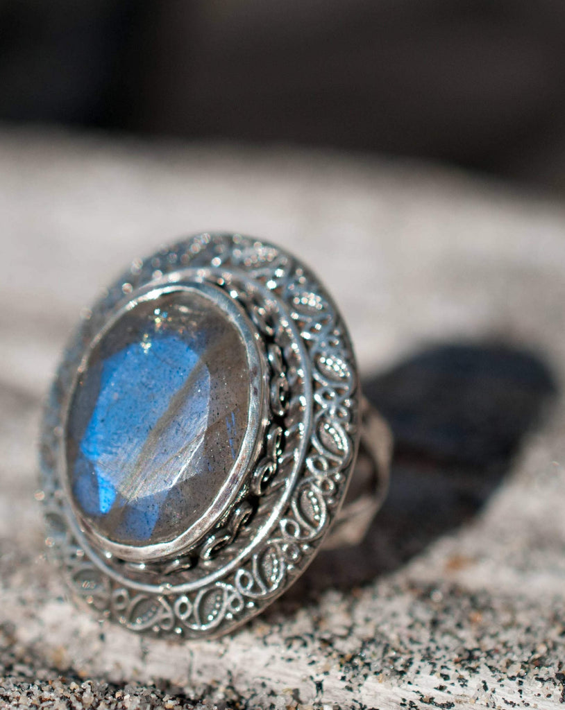 Labradorite Ring ~ Sterling Silver 925 - Maresia Jewelry