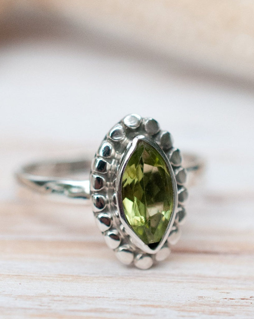 Peridot Ring ~ Sterling Silver 925 ~MR013 - Maresia Jewelry
