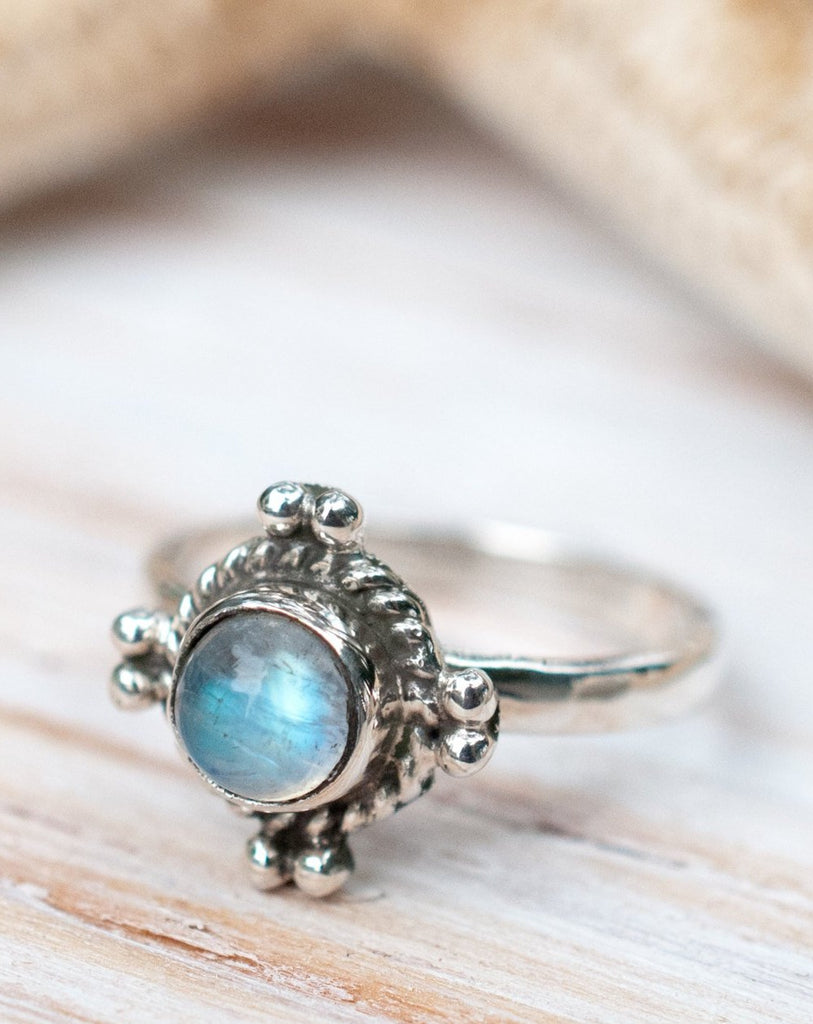 Moonstone Ring~ Sterling Silver 925  ~ MR011 - Maresia Jewelry