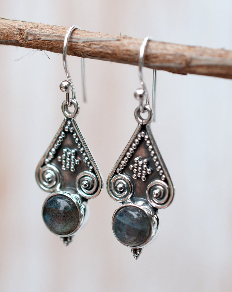 Labradorite Earrings ~ Sterling Silver 925 ~ ME007 - Maresia Jewelry