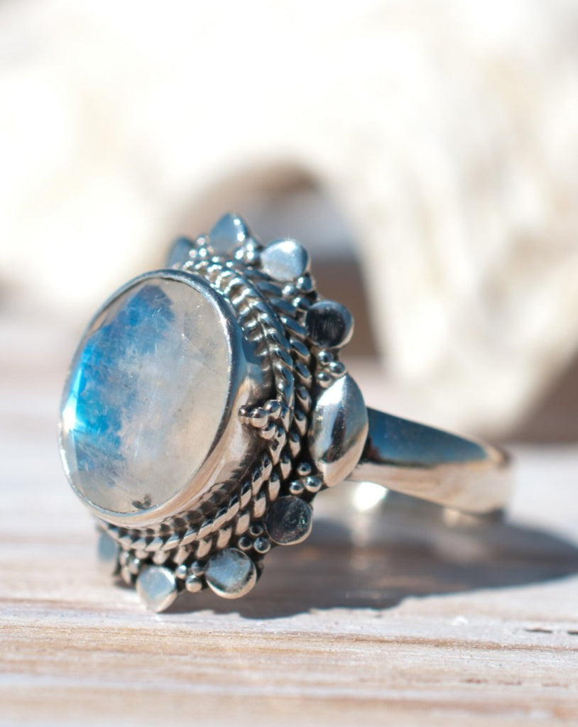 Moonstone Ring ~ Sterling Silver 925 ~ MR175 - Maresia Jewelry