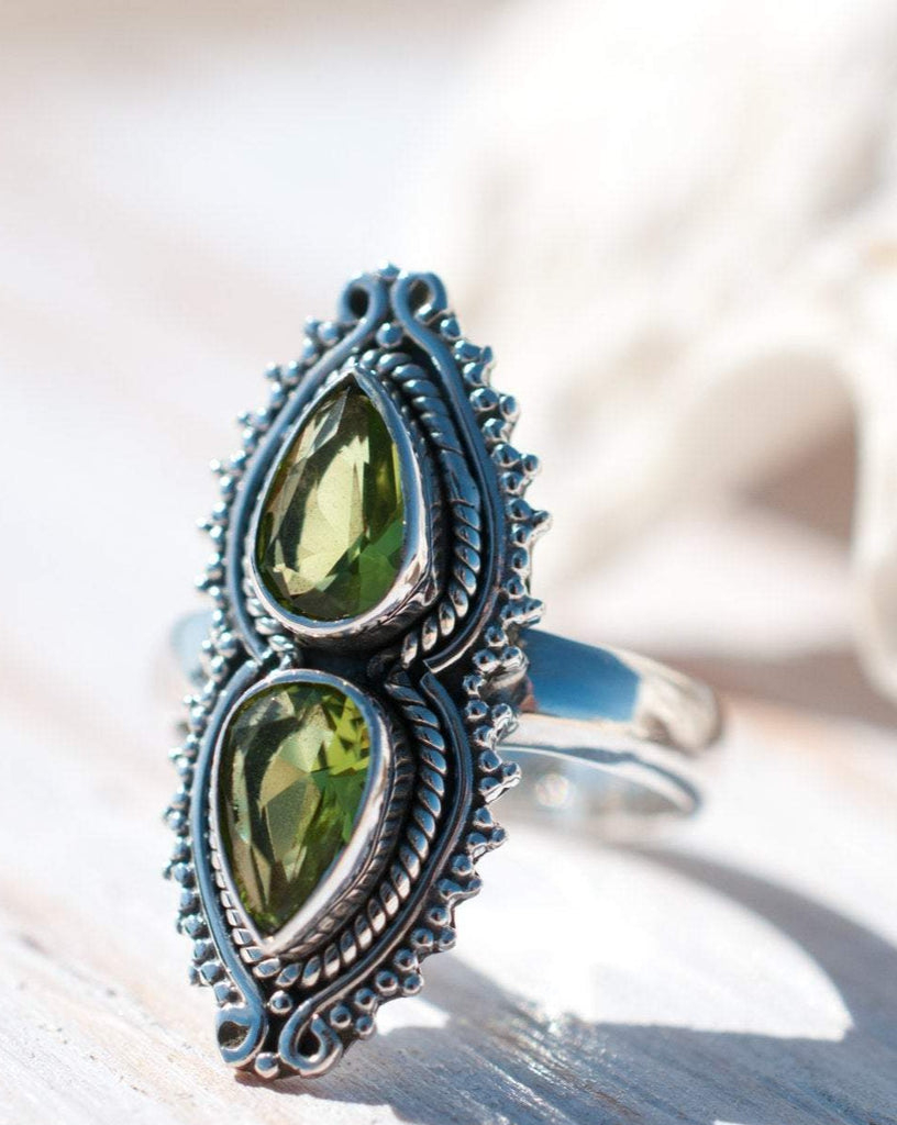 Peridot Ring ~ Sterling Silver 925 ~MR043 - Maresia Jewelry