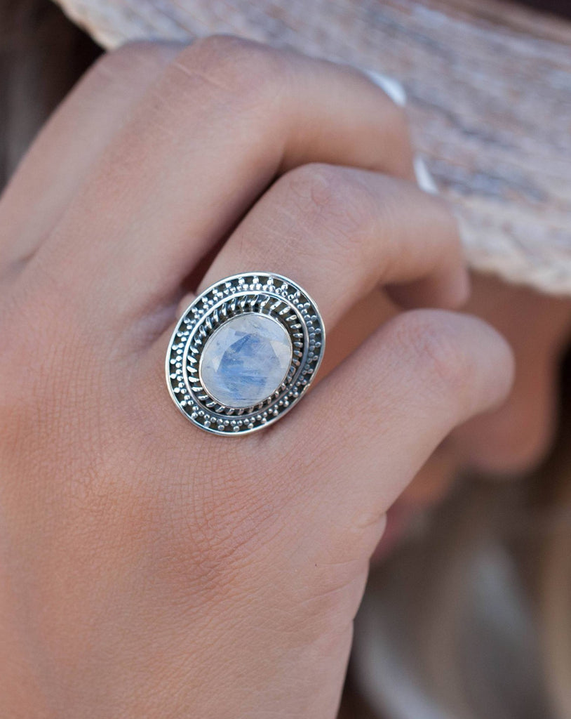 Moonstone Ring ~ Sterling Silver 925 ~ MR024 - Maresia Jewelry