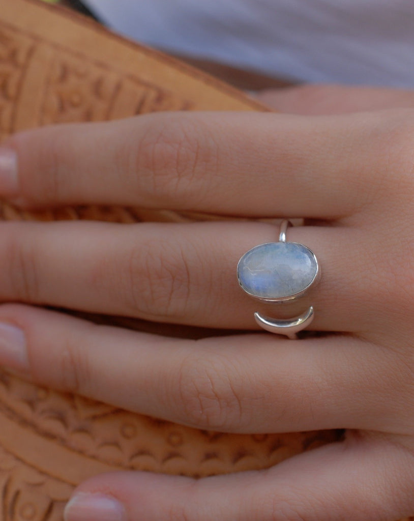 Moonstone Ring ~ Sterling Silver 925 ~MR003 - Maresia Jewelry