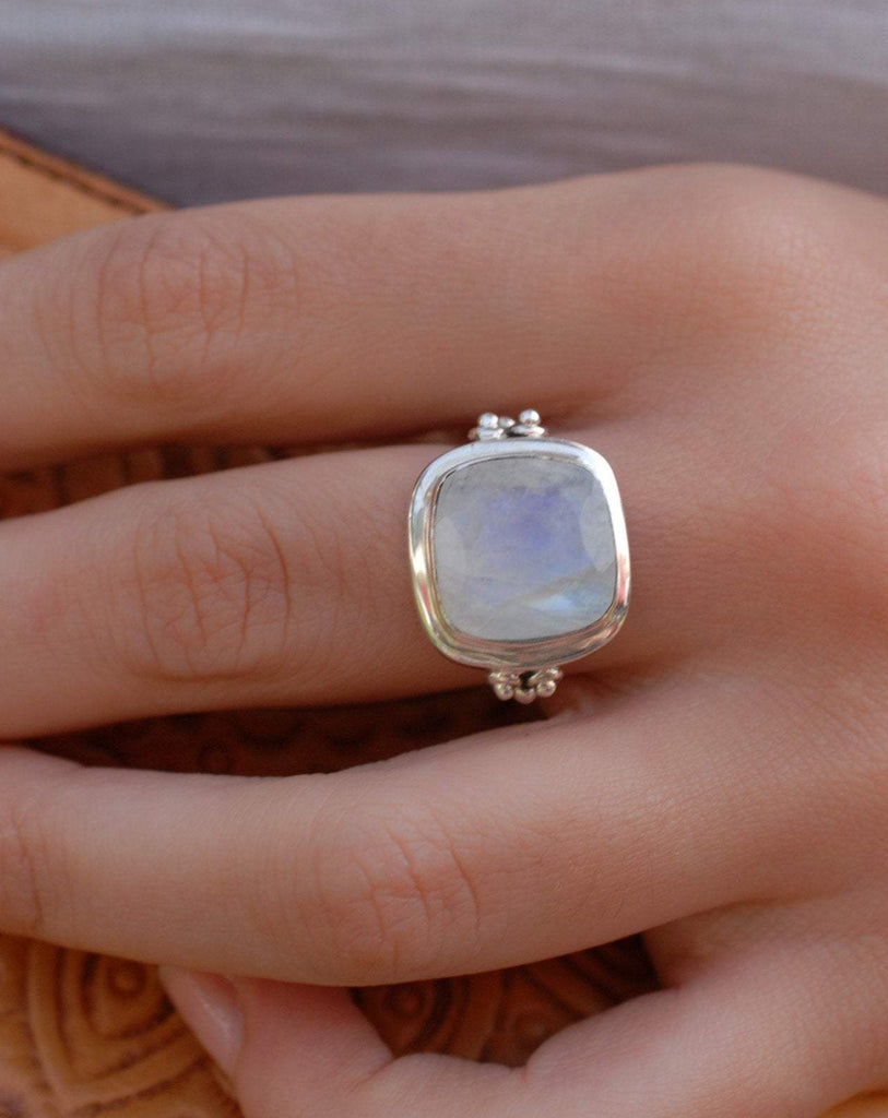 Alice Moonstone Ring ~ Sterling Silver 925 ~MR109 **Best Seller** - Maresia Jewelry