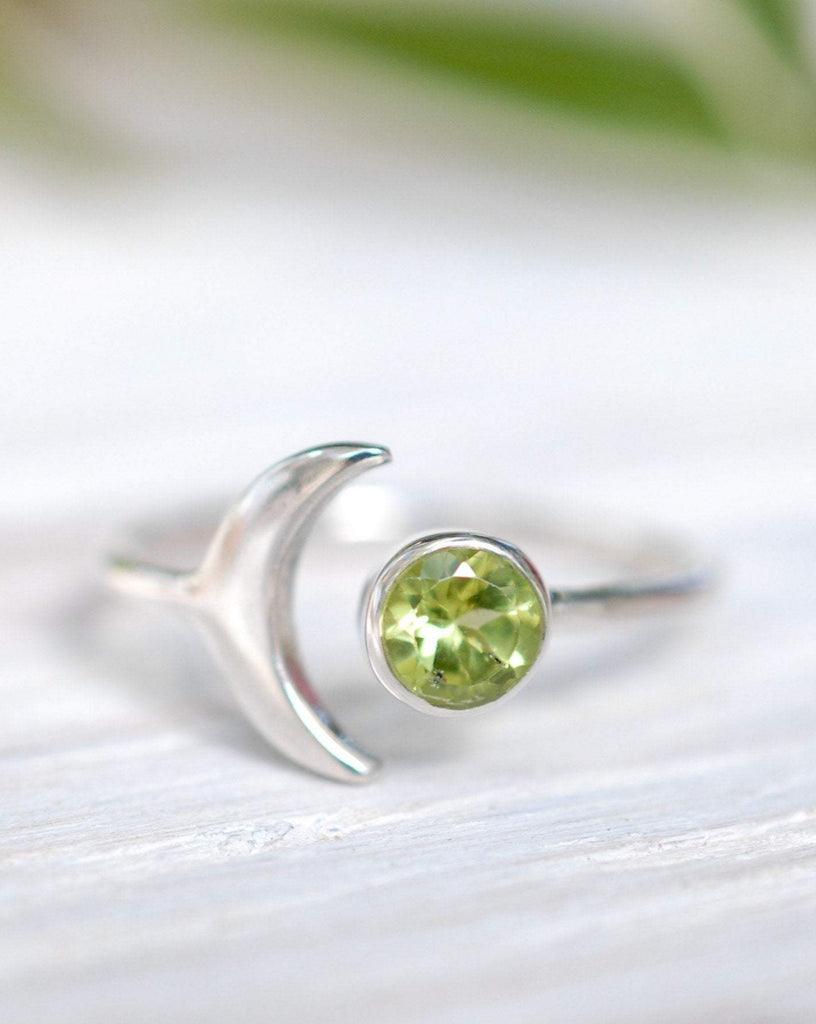 Peridot half moon Ring ~ Sterling Silver 925~  MR047 - Maresia Jewelry