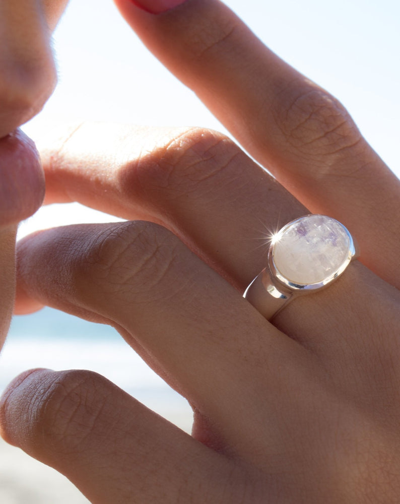 Moonstone Ring ~ Sterling Silver 925 ~MR156
