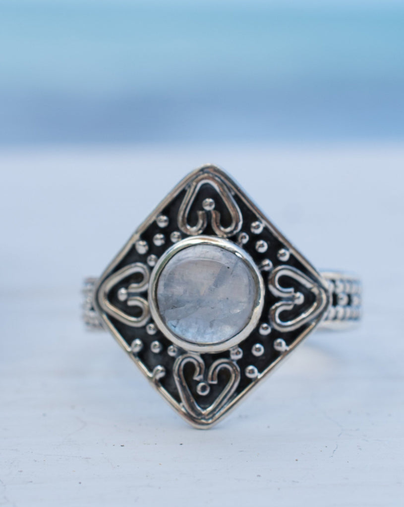 Solar Moonstone Ring ~ Sterling Silver 925 ~MR199 - Maresia Jewelry