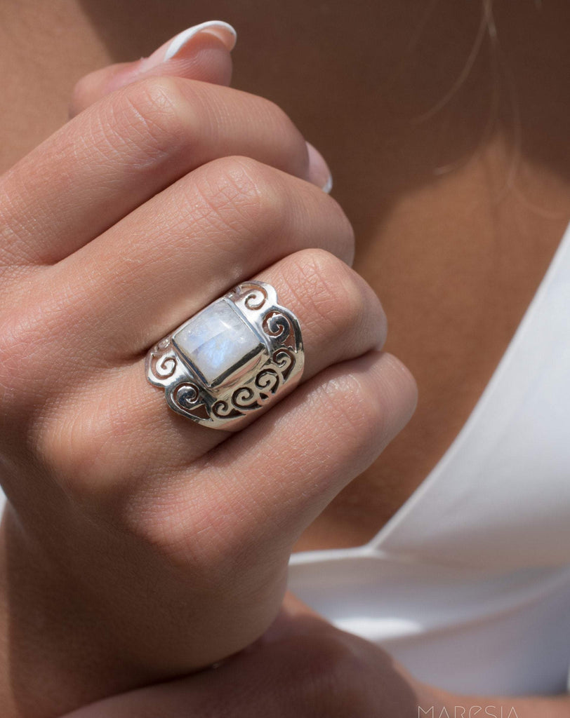 Moonstone ~ Sterling Silver 925 ~MR194 - Maresia Jewelry